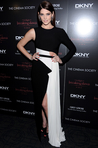 Ashley Greene in Donna Karan | 'The Twilight Saga: Breaking Dawn - Part 1' NY Screening