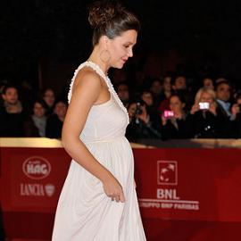 Maggie Gyllenhaal in Alexander McQueen | 2011 Rome Film Festival Premiere - 'Hysteria'