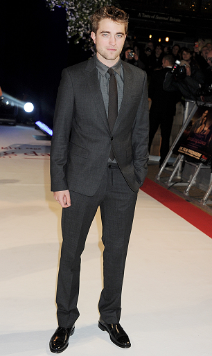 Robert Pattinson in Emporio Armani | 'The Twilight Saga: Breaking Dawn - Part 1' London Premiere