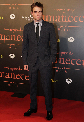 Robert Pattinson in Lanvin | 'The Twilight Saga: Breaking Dawn - Part 1' Barcelona Premiere