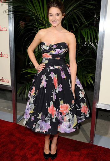 Shailene Woodley in Dolce & Gabbana   'The Descendants' Beverly Hills Premiere