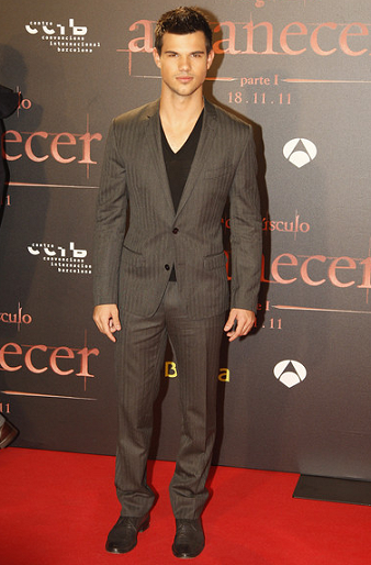 Taylor Lautner in Dolce & Gabbana | 'The Twilight Saga: Breaking Dawn - Part 1' Barcelona Premiere