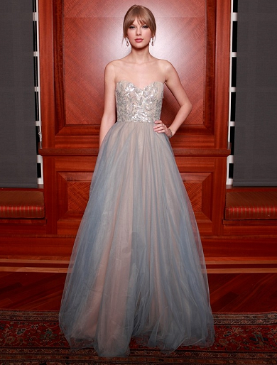 Taylor Swift in Reem Acra | 27th Annual Nashville Symphony Ball