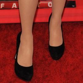 Zooey Deschanel in Erin Fetherston | 'The X-Factor' Season Finale