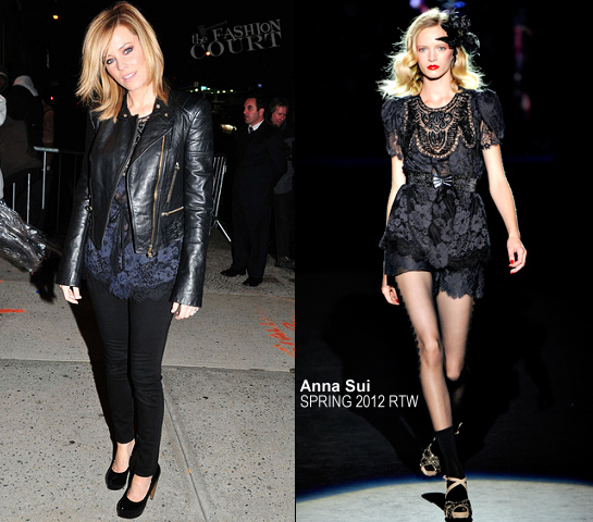 Elizabeth Banks in Anna Sui | 'The Daily Show with Jon Stewart'