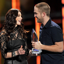Ashley Greene & Robert Pattinson | 2012 People's Choice Awards