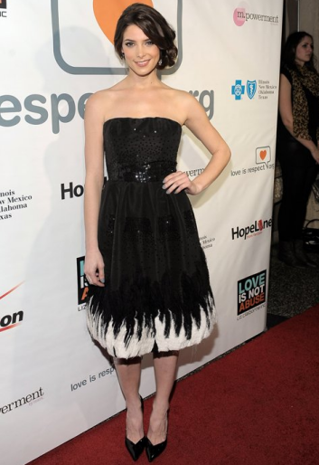 Ashley Greene in Oscar de la Renta | Loveisrespect's 'Louder Than Words' Launch Party