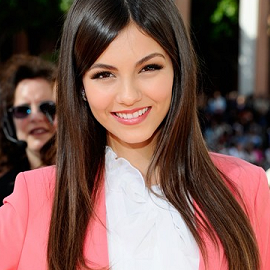 Victoria Justice in Elizabeth and James | 2012 Kids' Choice Awards